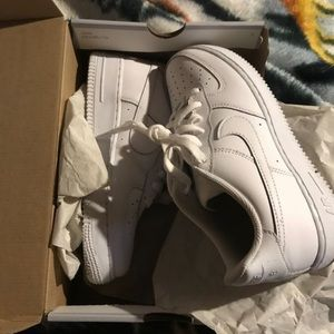I am selling my Air Force 1